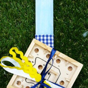 Λαμπάδα με ξύλινο παιχνίδι
